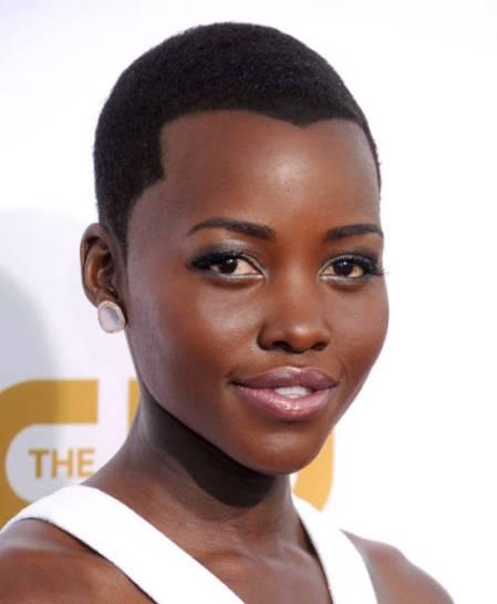 mcx-lupita-nyongo-beauty-looks-004-article-3805526-xln